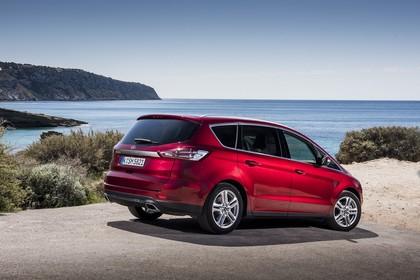 Ford S-MAX WA6 Aussenansicht Seite schräg statsich rot