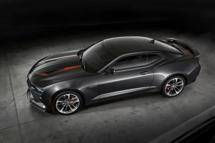 Chevrolet Camaro SS Aussenansicht Seite schräg statisch Studio schwarz