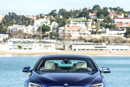 BMW 6er Coupe F13 AussenansichtFront statisch blau