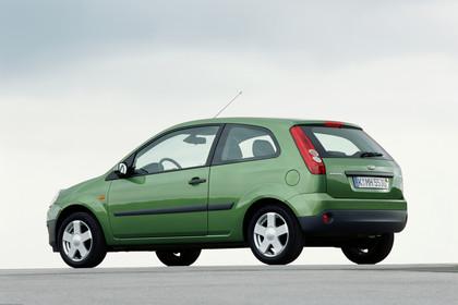 Ford Fiesta MK6 Aussenansicht Heck schräg statisch grün