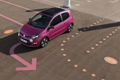 Renault Twingo N Facelift Dreitürer Aussenansicht Front schräg erhöht statisch violett