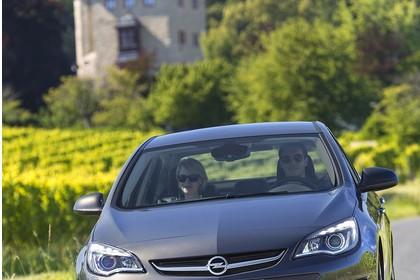 Opel Astra J Limousine Aussenansicht Front dynamisch silber