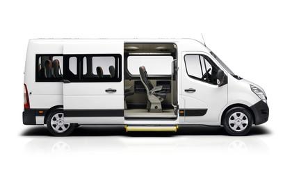 Renault Master 3 Combi Aussenansicht Seite statisch Studio weiss