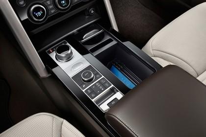 Land Rover Discovery LR Innenansicht Detail statisch weiß schwarz Armaturenbrett
