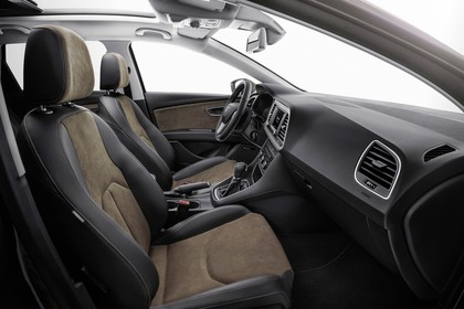SEAT Leon X-PERIENCE 5F Innenansicht Vordersitze Armaturenbrett beifahrerseitig