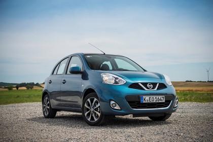 Nissan Micra K13 Aussenansicht Front schräg statisch blau