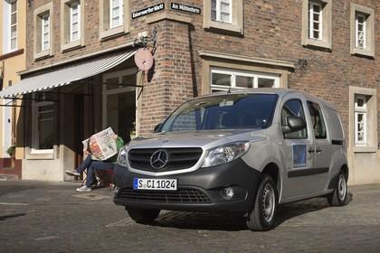 Mercedes-Benz Citan Kastenwagen W415 Aussenansicht Front schräg statisch silber