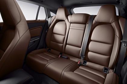 Mercedes CLA Shooting Brake X117 Innenansicht Rücksitzbank Studio statisch braun