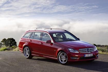 Mercedes-Benz C-Klasse T-Modell S204 MoPf Aussenansicht Front schräg statisch rot