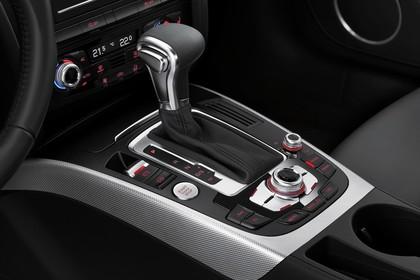Audi A5 Facelift Coupe Innenansicht Detail Mittelkonsole statisch schwarz