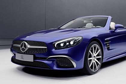 Mercedes SL R231 Aussenansicht Studio Front schräg statisch blau