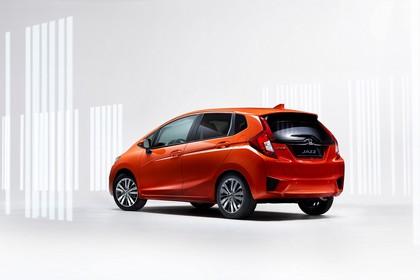 Honda Jazz GK Aussenansicht Seite schräg statisch Studio orange