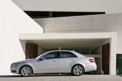 Mercedes E-Klasse W212 Aussenansicht Seite statisch silber