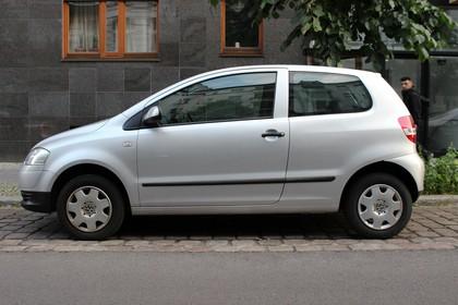 VW Fox 5Z Aussenansicht Seite statisch silber
