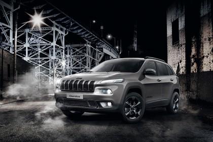 Jeep Cherokee KL Aussenansicht Front schräg statisch schwarz/weiß