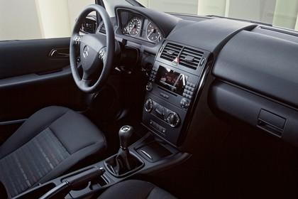 Mercedes A-Klasse W169 Innenansicht Beifahrerposition statisch schwarz