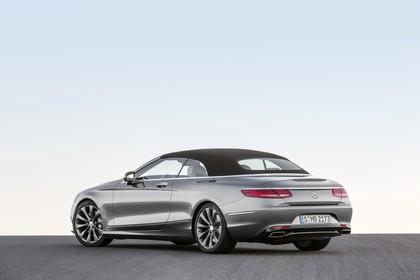 Mercedes-Benz S-Klasse Cabriolet A207 Aussenansicht Heck schräg statisch silber