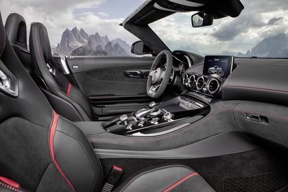 Mercedes-AMG GT Roadster C190 Innenansicht Beifahrersicht statisch schwarz