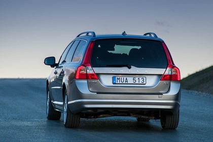 Volvo V70 Aussenansicht Heck statisch hellbaun