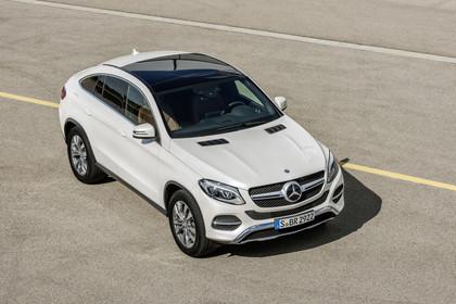 Mercedes-Benz GLE Coupe C292 Aussenansicht Front schräg erhöht statisch weiss