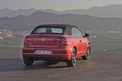VW Golf 6 Cabriolet Aussenansicht Heck schräg statisch rot