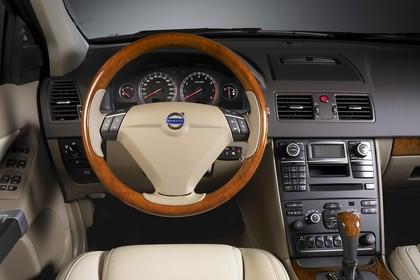 Volvo XC90 Innenansicht Fahrerposition Studio statisch beige