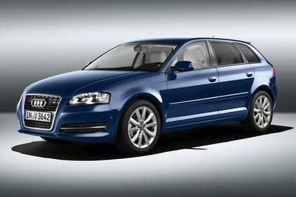 Audi A3 Sportback 8PA Aussenansicht Front schräg Studio statisch blau