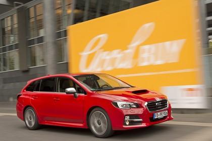 Subaru Levorg Aussenansicht Seite schräg dynamisch rot