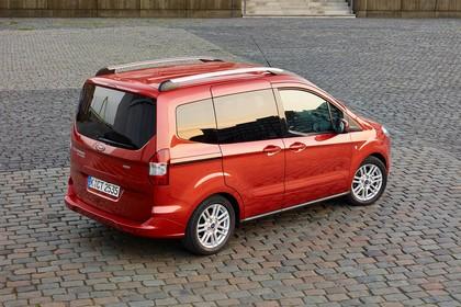 Ford Tourneo Courier JU2 Seite schräg statisch rot