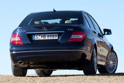C-Klasse Limousine W204 Aussenansicht Heck statisch schwarz