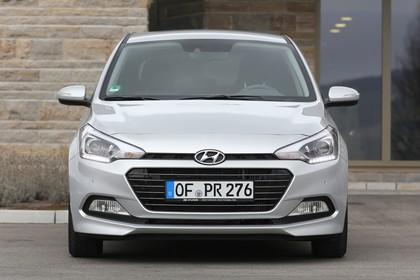 Hyundai i20 GB Aussenansicht Front statisch silber