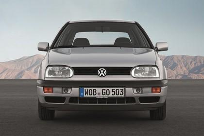 VW Golf 3 Aussenansicht Front statisch silber
