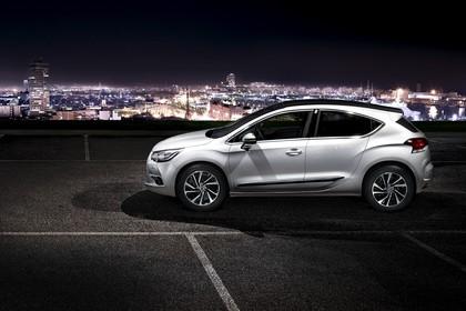 Citroën DS4 Aussenansicht Seite erhöht statisch weiss
