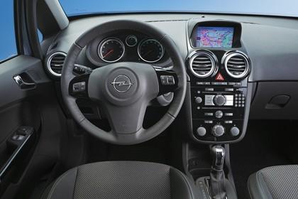 Opel Corsa D Innenansicht Fahrerposition Studio statisch grau