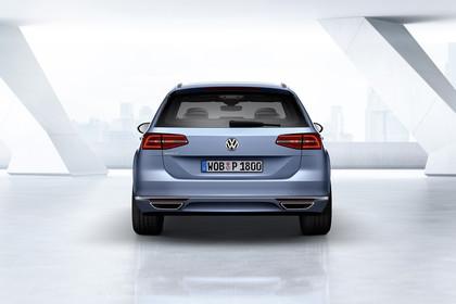 VW Passat B8 Variant Aussenansicht Heck statisch blau