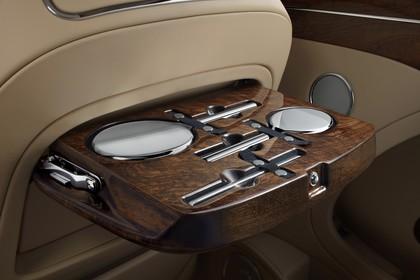 Bentley Mulsanne Innenansicht statisch Detail Schminken-Kit