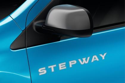 Dacia Dokker Stepway SD Aussenansicht Seite schräg statisch Studio Detail Stepway Schriftzug blau