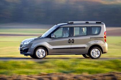 Opel Combo Tour Aussenansicht Seite dynamisch hellbraun