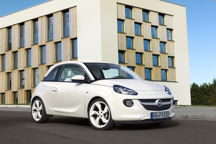 Opel Adam A Aussenansicht Front schräg statisch weiss