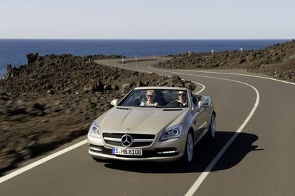 Mercedes-Benz SLK 350 R172 Aussenansicht Front schräg dynamisch beige