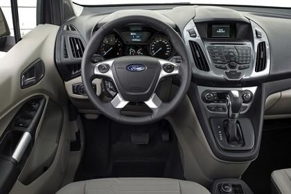 Ford Tourneo Connect PJ2 Innenansicht Armaturenbrett und Vordersitze fahrerseitig