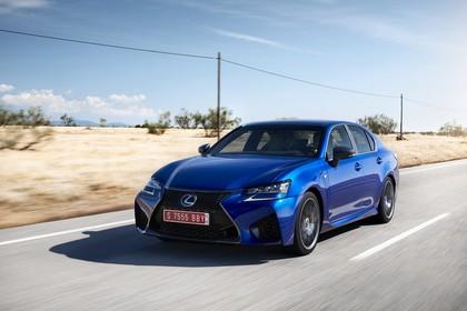 Lexus GS F L10 Aussenansicht Front schräg dynamisch blau