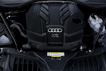 Audi A8 4N Aussenansicht statisch Detail Motor