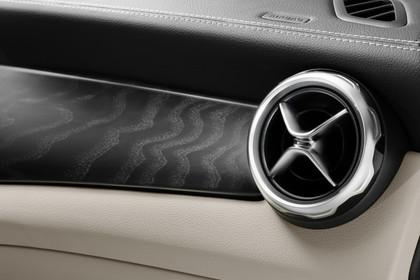 Mercedes-Benz GLA X156 Innenansicht Detail Lüftungsdüse statisch beige
