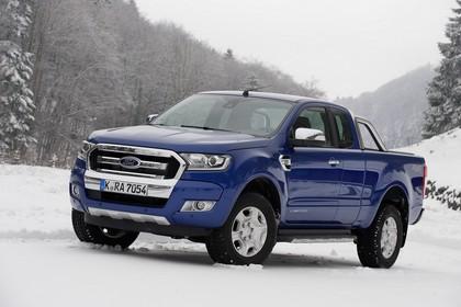 Ford Ranger 2AB Aussenansicht Front schräg statisch blau
