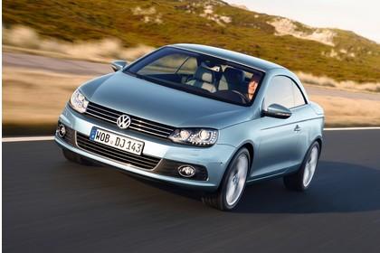 VW Eos 1F Facelift Aussenansicht Front schräg statisch blau