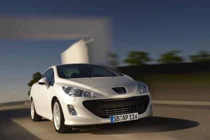 Peugeot 308 CC Aussenansicht Front dynamisch weiss