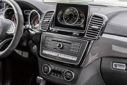 Mercedes-AMG GLE Innenansicht Detail Mittelkonsole statisch schwarz