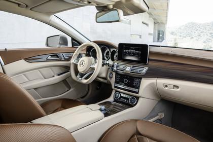 Mercedes-Benz CLS Shooting Brake X218 Innenansicht Beifahrerposition statisch beige braun