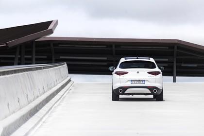 Alfa Romeo Stelvio 949 Aussenansicht Heck statisch weiss